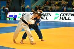 Orenburg, Rusland - 12-13 het jaar 2018 van Mei: De meisjes concurreren in Judo Stock Fotografie