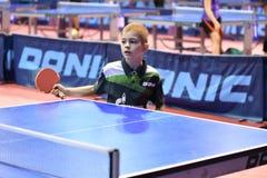 Orenburg, Rusland - September 15, het jaar van 2017: Jongens die pingpong spelen Royalty-vrije Stock Afbeelding
