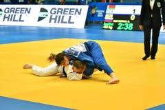 Orenburg, Russia - anno 2018 dei 12-13 maggio: Le ragazze fanno concorrenza nel judo Immagini Stock