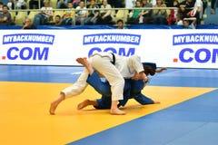 Orenburg, Russia - anno 2018 dei 12-13 maggio: Le ragazze fanno concorrenza nel judo Fotografie Stock Libere da Diritti
