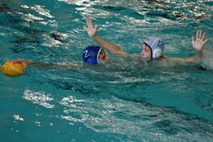 Orenburg, Russia - May 4, 2017 years: the boys play in water polo Royalty Free Stock Photos