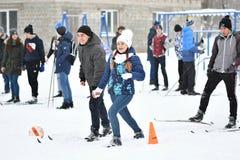 Orenburg, Russland - 26. Januar 2017 Jahr: Studentenspiel in den Winterspielen Stockbild