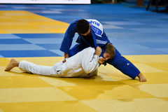 Orenburg, Russland - 21. Oktober 2016: Jungen konkurrieren im Judo Stockfotos
