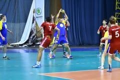 Orenburg Ryssland - 11-13 Februari 2018 år: pojkelek i handboll Royaltyfria Foton