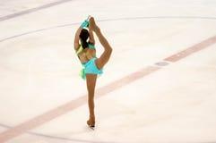 Orenburg Ryssland 26 03 2016: Konkurrensflickakonståkare Arkivfoton