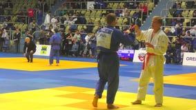 Orenburg Ryssland - Oktober 21, 2017: Pojkar konkurrerar i judon arkivfilmer
