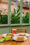 Oreorchis patens X-bekläda och mat i tidig eftermiddag Royaltyfri Fotografi