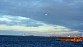 Oresund bro från Köpenhamn Arkivfoto