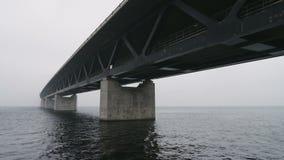 Oresundsbron, el puente entre Suecia y Dinamarca almacen de video
