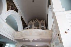 Orgaan in Onze Dame van Verdrietkerk, Riga stock afbeelding