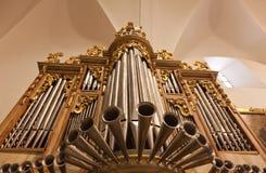 organ av en kyrka royaltyfria foton