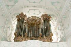 Organ i kyrka i Tyskland fotografering för bildbyråer