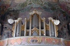 Organ i vår damkyrka i Aschaffenburg, Tyskland Royaltyfri Foto