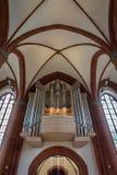 Organ im Herzen von Jesus Catholic Church in Lübeck, Deutschland Lizenzfreie Stockfotos