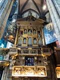Organ på duomoen av Milan Cathedral Arkivfoto