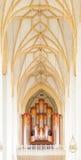 Organ und Decke Jann in Frauenkirche-Kathedrale in München, Mikrobe Lizenzfreies Stockfoto