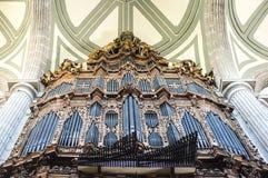 Organe à l'intérieur de la cathédrale métropolitaine à Mexico - au Mexique image stock