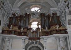 Organe dans l'église de l'hypothèse image libre de droits
