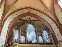 Organe dans la vieille église, Lithuanie photo stock