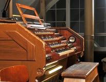 Organe de pipe dans la cathédrale photographie stock libre de droits