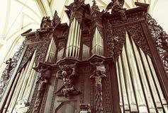 Organe de tuyau célèbre dans l'église de St James, Brno, vieux filtre Image stock