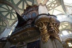 Organe de tuyaux de la cathédrale métropolitaine image stock