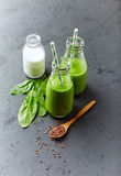 Organic spinach and almond milk smoothie with linseed Stock Photography