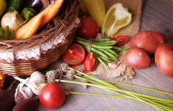 Organic vegetables in a basket Royalty Free Stock Photography