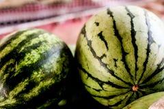 organicznie świeży arbuz zdjęcia stock