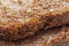 Organicznie żyje Odrośniętego Całego zbożowego chleb Zdjęcie Royalty Free