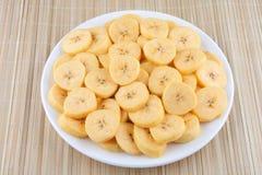 Organicznie bananów plasterki. zdjęcie stock