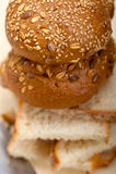 Organicznie chleb nad wieśniaka stołem Obraz Stock