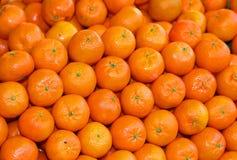 Organicznie mandarynki i pomarańczowi clementines z łupa bez leczenia dowcipem Obrazy Stock
