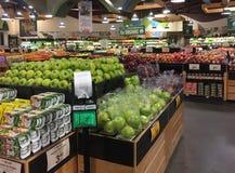 Organicznie produkt spożywczy dla sprzedaży przy sklepem spożywczym TX obrazy stock