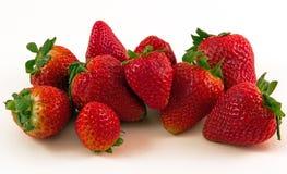 Organicznie truskawki - piękny grono słodkie dojrzałe jagody Fotografia Royalty Free