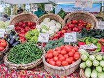 Organicznie warzywa na pokazie przy Corvallis rolnikami Wprowadzać na rynek, Orego Zdjęcia Stock