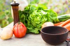 Organicznie warzywa na stole Obrazy Royalty Free