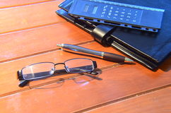 Organisator, pen en mobiele telefoon Royalty-vrije Stock Foto