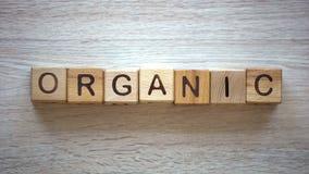 Organisch die woord van kubussen, vruchten en groenten van privé landbouwbedrijven, kwaliteit wordt gemaakt royalty-vrije stock fotografie
