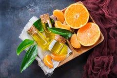 Organische essentiële mandarijn, mandarin, clementineolie stock afbeeldingen