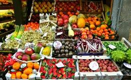 Organische fruitmarkt in Italië royalty-vrije stock afbeelding