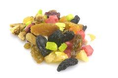 Organische gesunde sortierte Trockenfrüchte auf einer Platte Stockfotos