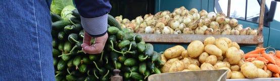 Organische groenten op de markt Stock Foto