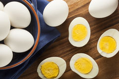 Organische Harde Gekookte Eieren Stock Afbeelding