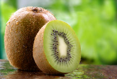 Organische Kiwifrucht Lizenzfreie Stockfotografie
