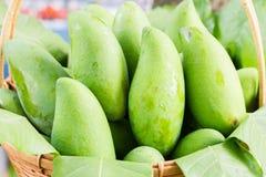 Organische Mangofrucht Lizenzfreie Stockfotos