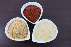 Organische rijst in kommen Stock Fotografie