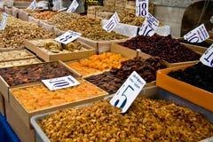 Organische Verschillende Types van Noten en Droge Vruchten Stock Foto