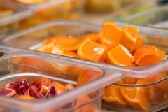 Organische vruchten bij landbouwersmarkt Royalty-vrije Stock Afbeeldingen