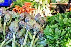 Organischer Gemüsemarkt in Italien stockfotografie